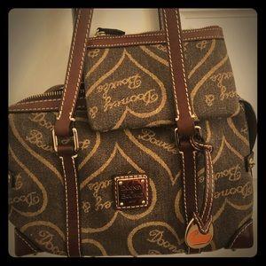 Handbag w/ matching coin/card purse
